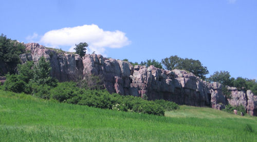 blue mounds cliffline